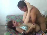 Filmando o casal amador transando
