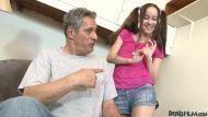 Amai Liu faz sexo com papai de criação