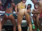 Novinhas caiu na net dançando funk no carnaval